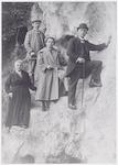 De familie van Hoogevest in Limburg. Vanaf links: ...