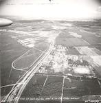 Luchtfoto van de Doornseweg richting Amersfoort. R...