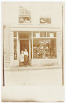 Arnhemsestraat 15: petten- en schoenenwinkel van L...