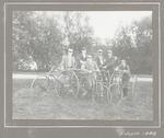 Zes leden van de Baarnsche Vélocipede-Club. Derde...