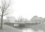 De brug over de Beek in de Kamp, Amersfoort. Links...