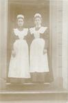 De eerste twee dienstmeisjes van het gezin Jhr. J....