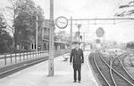 Stationschef Van Dijk op Station Soest, Stationswe...