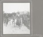 Zes leden van de Baarnsche Vélocipede-Club....