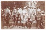 Ruiters te paard in een historische optocht van de...