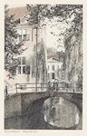 De Sint Jorisbrug over de Kortegracht, met een dee...