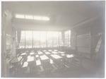 Interieur klaslokaal in de Vincent van Goghschool ...
