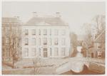 Huis Cohen - het Huis met de Paarse Ruiten - aan d...