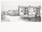 De voorzijde van de flats aan de Ganskuijl....
