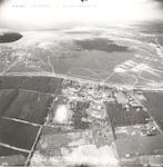 Luchtfoto van Kamp Waterloo langs de Doornseweg. A...