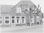 Hamseweg 29 (links) en 31: café-restaurant Schimm...