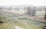 De trein naar Apeldoorn passeert het buitengebied ...