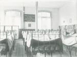 Slaapzaal in Kindertehuis Aldegonde van de Verenig...