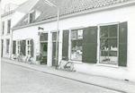 Kringloopwinkel in de panden Zuidsingel 14-15....