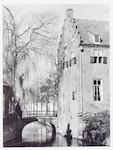 Detail van de Tinnenburg, Muurhuizen 25, met de Si...