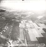 Luchtfoto van kazerne De Boskamp (voorheen concent...
