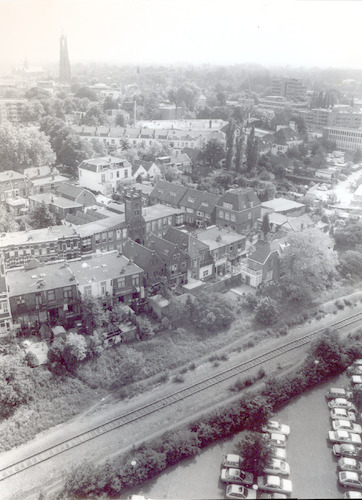 Luchtfoto van de Ponlijn en de Bloemweg.