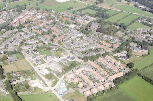 Luchtfoto van Hooglanderveen, gezien in noordelijke richting.