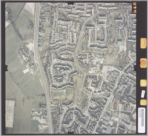 Luchtfoto van De Bieshaar in Hoogland. Rechtsonder de Zevenhuizerstraat en een deel van Langenoord. Links de Bunschoterstraat.