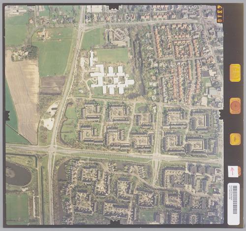 Luchtfoto van Leusden tussen Burgemeester de Beaufortweg (bovenaan), Hamersveldseweg (rechtsboven), Noorder Inslag (onderaan) en Groene Zoom (links). Geheel links onderaan de Heiligenbergerweg.