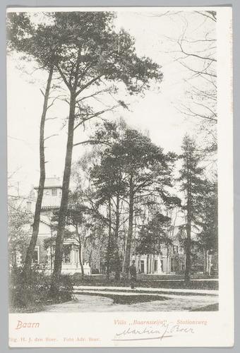 """Villa """"Baarnsteijn"""" aan de Stationsweg, hoek Prins..."""