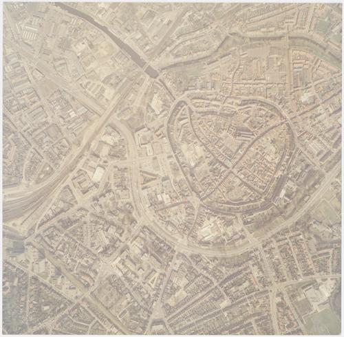 Luchtfoto van de wijken Stadskern en Zonnehof (linksonder). Linksboven zien we nog een deel van Industriekwartier Isselt, rechtsboven Koppel en Kruiskamp. Rechtsonder Dorrestein.