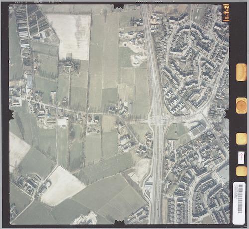 Luchtfoto van westelijk Hoogland. Boven de Zevenhuizerstraat ligt Bieshaar, eronder De Bik. Links Hoogland West (officieel: Buitengebied West), met o.a. de Coelhorsterweg.