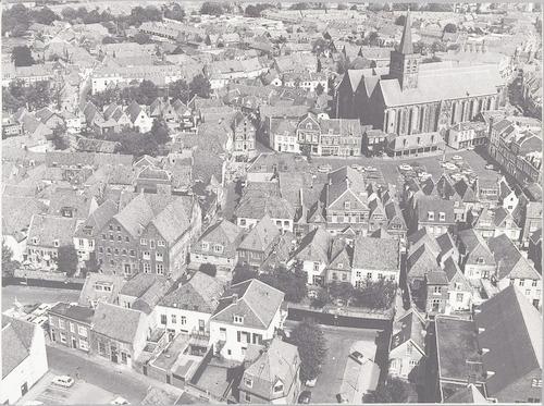 Luchtfoto vanaf de Sint Joriskerk in de richting van het noorden.