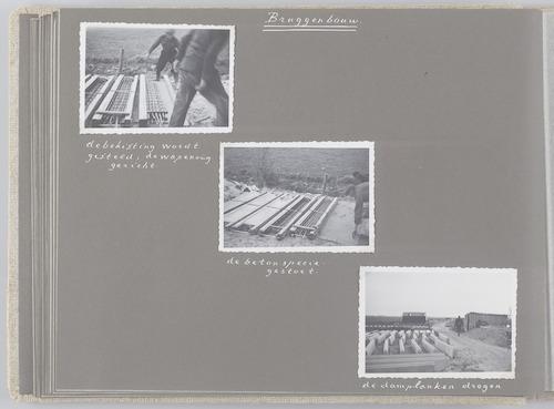 """Bladzijde uit het fotoalbum """"Beoosten de Eem"""", dat gewijd is aan de ruilverkaveling in dat gebied. Beeld van de bouw van een brug, vermoedelijk ter plaatse van de kruising van de Wijde Wetering en de Achter-Eemlandse Wetering omstreeks 1949. De brug en de wegen Slaagseweg, Achter-Eemlandseweg en Neerzeldertseweg dienen ter ontsluiting van de polders Eemland, Zeldert en Burgermaten."""