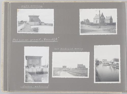 """Bladzijde uit het fotoalbum """"Beoosten de Eem"""", dat gewijd is aan de ruilverkaveling in dat gebied. Linksboven en -onder het gemaal Veendijk, gebouwd kort na 1941 ter vervanging van het gemaal in Spakenburg dat door het nederlandse leger was verwoest. Gemaal Veendijk ligt ten oosten van Spakenburg. Volgens de ontwerptekening is er een sloot gegraven naar de Coenraadswetering. ook de nieuwe """"Oosterwetering"""" (later Rengerswetering) voerde water af via dit gemaal. Middenonder het gemaal Veendijk en de bijbehorende """"machinisten""""-woning. Rechtsboven de machinistenwoning te Eemdijk en rechtsonder het in dezelfde tijd gebouwde gemaal Eemdijk. Dit gemaal (Eemdijk 96) voerde water van de Bikkerswetering of -vaart af naar de Eem. Het gemaal is niet meer in gebruik."""