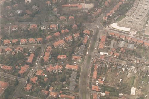 Luchtfoto van het Vondelplein en omgeving.