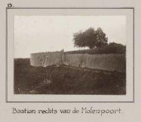 Bastion rechts van de Molenpoort.