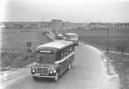 Bedumerweg : bussen van Marne en E.S.A. : richting noorden na een...