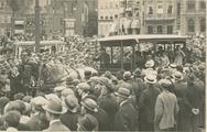 Grote Markt : historische verkeersoptocht : paardentram Groningen-Paterswolde-Ee…