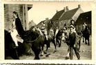 Kafhoek: de bevrijdingsstoet te Pollinkhove op 10 juni 1945