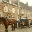 Lo: ophaling van het huisvuil met paard en kar