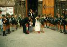 Poperinge: scouts, wolfjes vormen erehaag bij huwelijk