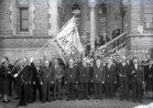 Poperinge: bakkersbond op de pui van het stadhuis