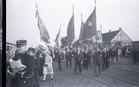 Ieper: vlaggen stappen op het Colaertplein
