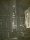 Lo: interieur van de Sint-Pieterskerk in april 1915