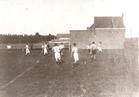 Zonnebeke: voetbalveld in de Albertstraat