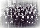 Veurne: leden van het Sint-Niklaaskoor poseren circa 1920