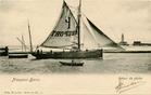 Nieuwpoort: de loodsboot vaart de haven binnen