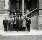 Poperinge: biljartclub van De Gilde op de pui van het stadhuis