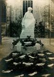 Lo: inhuldiging monument voor de gesneuvelden in 1923