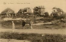 De Panne: op wandel in de Dumontlaan met zicht op enkele villa's