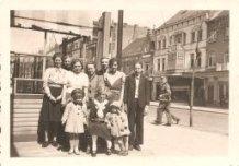 De Panne: familie aan hotel Plaza.