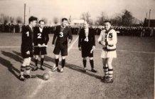 Zonnebeke: Aftrap voetbalwedstrijd