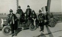 Lo: de vrijwillige brandweer tijdens de stoet ter gelegenheid van het Landjuweel in 1954