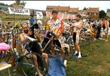 Zillebeke: voorbereiding van de  triatlon van Ieper bij Zillebeke vijver